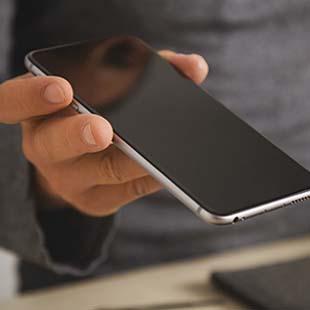 Quer saber qual o valor para trocar a bateria do iphone? Consulte Rw Cell